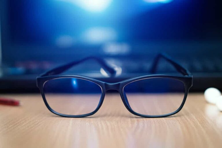 Best Blue Light Blocking Glasses For Night Shift Workers